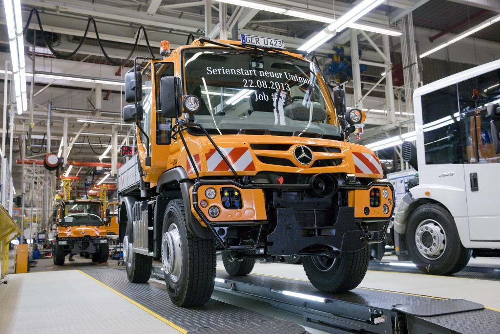 Produktionsstart der neuen Unimog-Geräteträgerbaureihen mit Abgasnorm Euro IV am 22.08.2013.