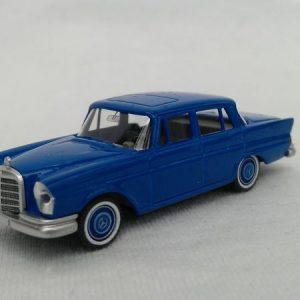 Modell MB 220 S (verkehrsblau)